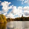 St.Marien und Knieperteich im Herbst